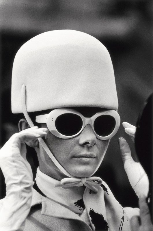 09 20x16_Hepburn_glasses_hat